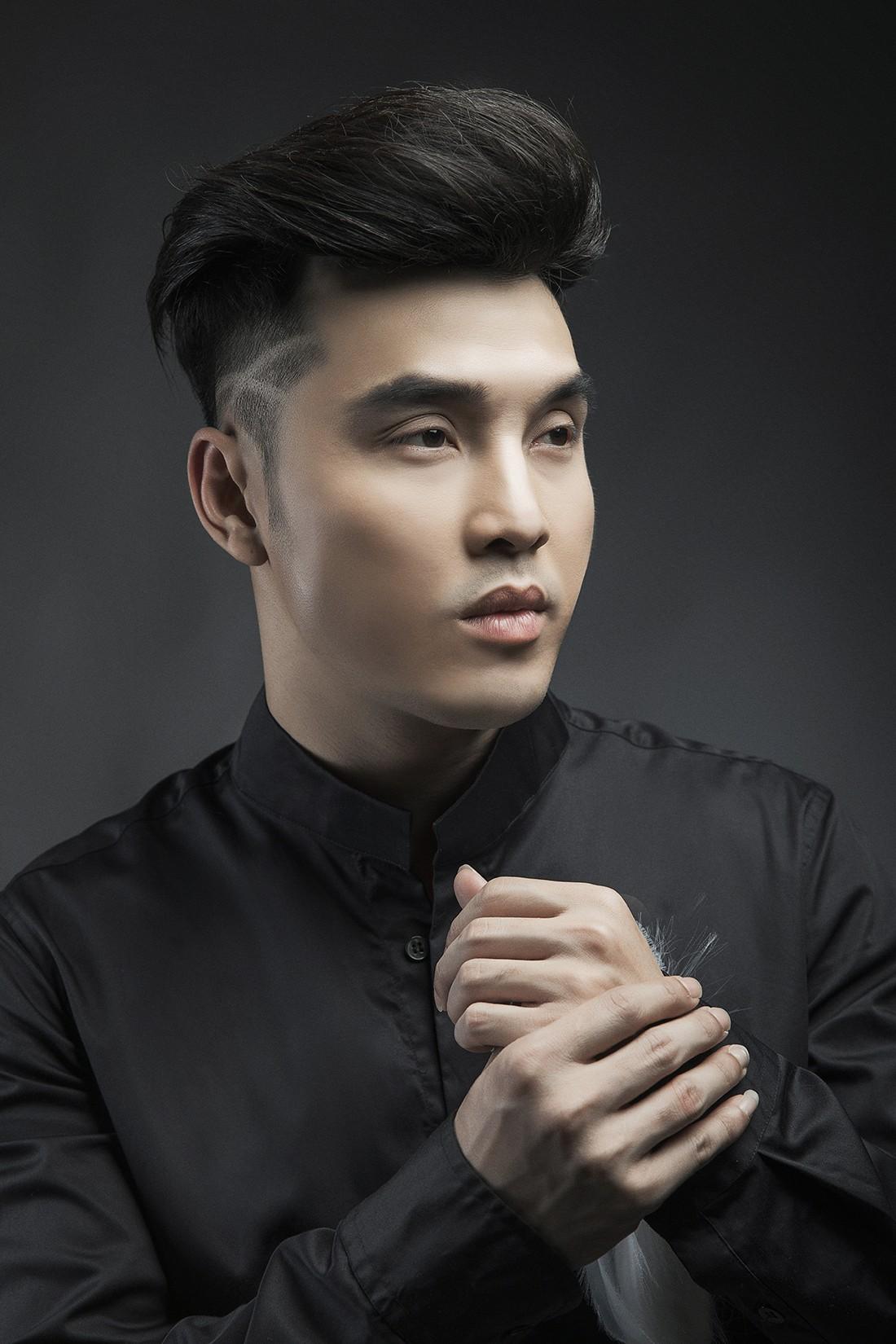 """Ưng Hoàng Phúc tái ngộ ông bầu Quang Huy trong liveshow """"để đời"""""""