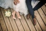 Từ nước ngoài trở về, vợ tá hỏa vì chồng làm đám cưới với người khác