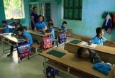 Những cô giáo quen với việc học sinh cắn, phi chổi vào người