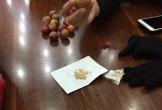 Mận trái mùa trăm ngàn/kg bắt đầu được bày bán, cô gái mua về ăn và nhận cái kết 'chát' không ngờ chỉ vì không hỏi giá