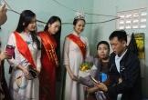 Hoa khôi sinh viên xúc động trước nghị lực của cô gái xương thủy tinh