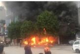Cháy dữ dội ở quán cà phê, dân công sở nháo nhác chạy