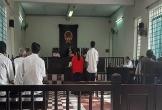 Cặp vợ chồng suýt ngồi tù vì trói hàng xóm vào gốc dừa