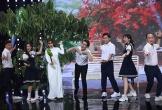 Trường Giang, Hari Won diện đồng phục theo trào lưu