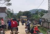 Nghệ An: Bé 3 tuổi bị xe tải chở vật liệu xây dựng cán qua người trên đường làng
