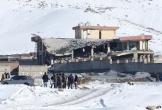 Taliban tấn công vào doanh trại Afghanistan, 100 người có thể đã chết