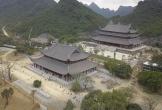 Ngôi chùa lớn nhất thế giới ở Hà Nam đón hàng vạn lượt khách đến chiêm bái