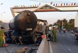 Xe bồn chở gas bốc cháy trước cổng chào tỉnh Tây Ninh