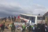 Xe buýt va chạm với ô tô tải làm 24 người thiệt mạng, 15 người bị thương