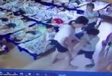 Video: Phẫn nộ cô giáo mầm non dùng kẹp giấy đâm vào người học sinh vì không ngủ trưa