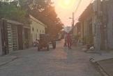 Nghệ An: Bé hơn 4 tuổi bị xe công nông đâm tử vong khi chạy từ ngõ ra
