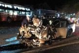 Xe ôtô con tông xe khách, cán bộ CSGT cùng bạn tử vong