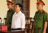 Bắt giam cựu giảng viên ở Cần Thơ ngay tại tòa