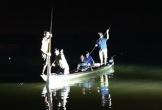 Triều cường lớn gây lật ghe chở 5 người, 2 phụ nữ mất tích