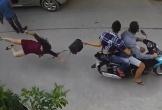 Cướp kéo người phụ nữ ngã đập mặt xuống đường