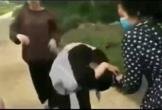 Thanh Hóa: Nữ sinh lớp 12 đánh liên tiếp bằng mũ bảo hiểm, bắt quỳ gối xin lỗi