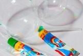 24 học sinh ngộ độc sau khi thổi kẹo bong bóng
