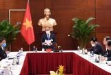 Thủ tướng đang họp khẩn về Covid-19 ở phòng họp tại Đại hội Đảng XIII