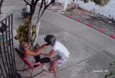 Clip: Bị cướp điện thoại, cụ bà có màn