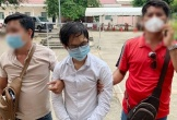 Bắt được nghi phạm lao vào nhà đâm 2 vợ chồng đang xem ti vi