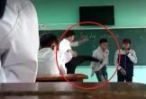 Nam giáo viên liên tục đấm đá, lăng mạ nhiều học sinh ngay trên bục giảng