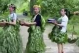 Ế hàng, nông dân Trung Quốc diễn thời trang làm từ rau quả