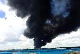 Hỏa hoạn cực lớn, công ty chuyên sản xuất mút xốp chìm trong biển lửa