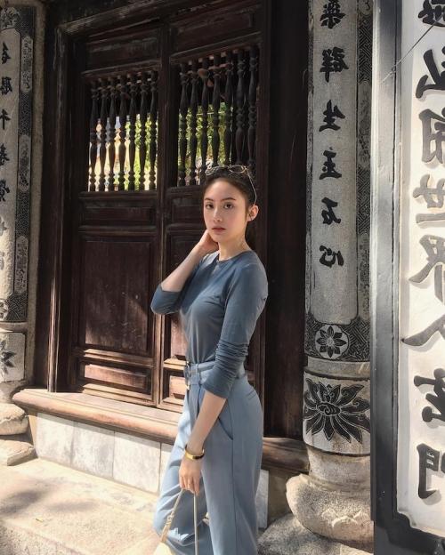 Hot girl Lào gốc Việt